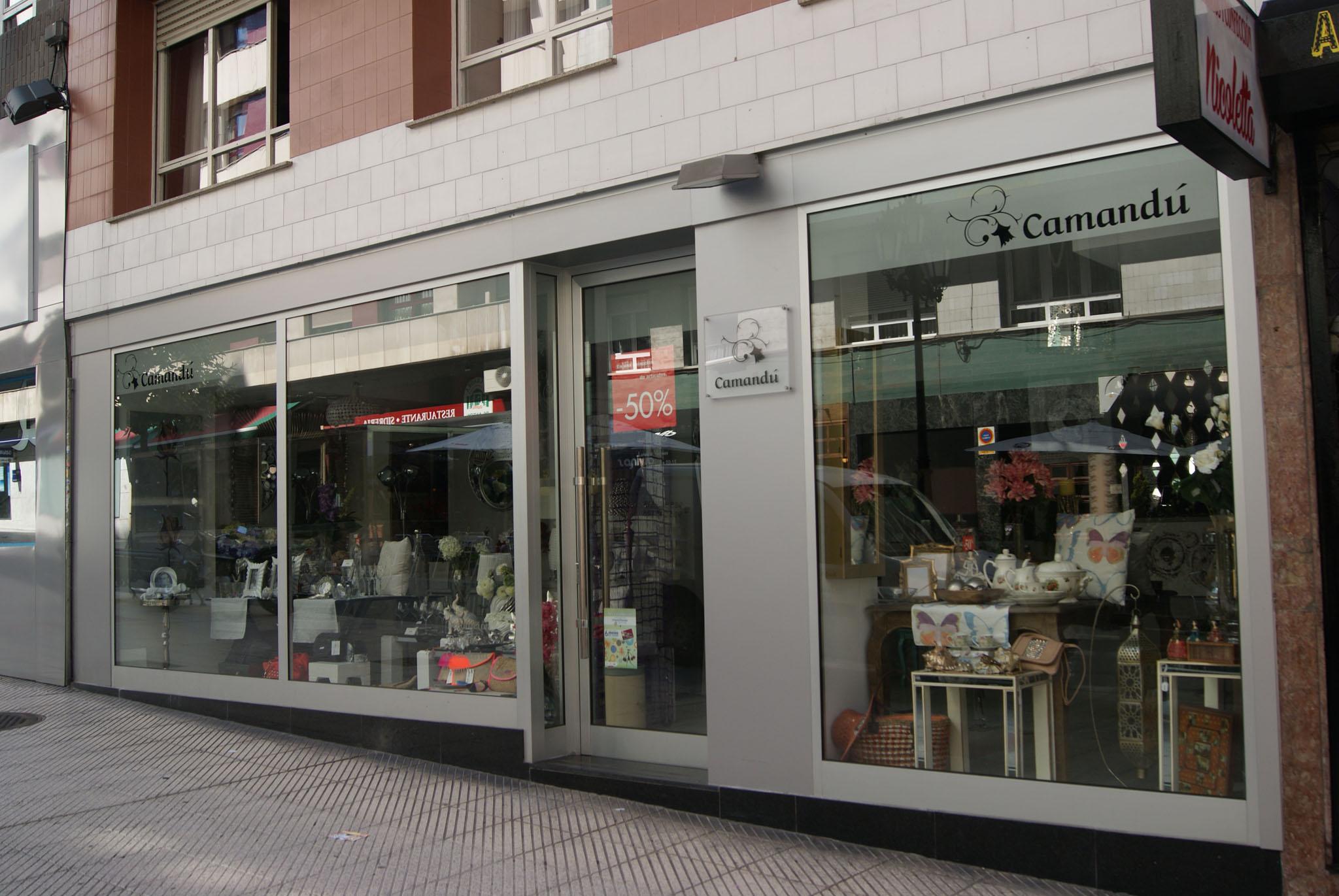 Decoración y Regalos Camandú – Calle León y Escosura – Oviedo